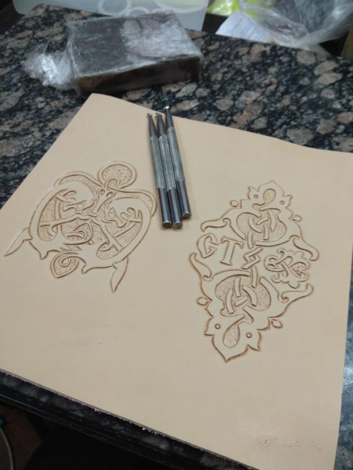 Бумажник с инициалами Ручная работа, Изделия из кожи, Кошелек, Хобби, Длиннопост, Рукоделие с процессом, Рукоделие