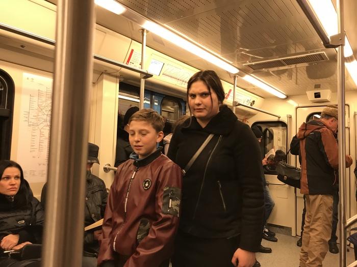Москва, попрошайки. Теперь из Украины Москва, Метро, Попрошайки, Попрошайки в метро, Украина, Длиннопост