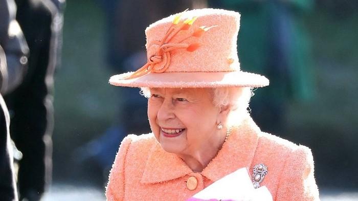 Школьник из Орска получил письмо от британской королевы Королева Великобритании, Орск, Автограф, Коллекция, Школьники, Знаменитости