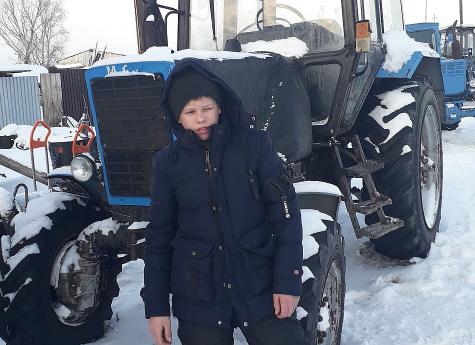 В Челябинской области 14-летний подросток завел трактор и спас родную деревню от лесного пожара Челябинск, Хороший парень, Тушение