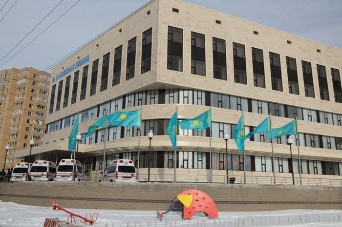 Врачей в Казахстанеобязали писать в рецептах состав лекарств, а не их название. Казахстан, Здравоохранение, Медицина, Аптека, Рецепт