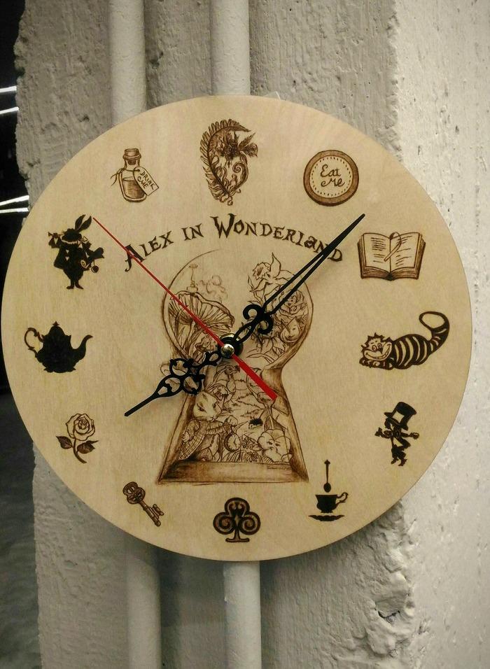 Тик-так, тик-так, Алиса. Пирография, Алиса в Стране чудес, Часы, Своими руками, Чеширский кот, Безумный шляпник, Чай, Роза