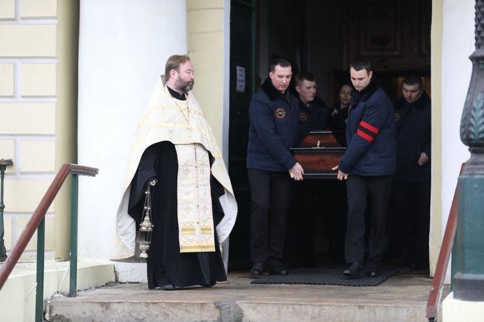 Похороны Децла Децл, Похороны, Кирилл Толмацкий, Длиннопост
