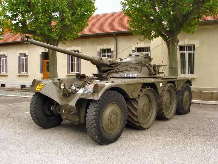 Panhard EBR - французский разведывательный бронеавтомобиль оружие