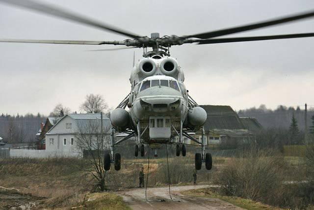 Ми-10 - летающий кран вертолета, время, вертолет, шасси, Ми10К, работ, имеют, машины, очень, оснащены, грузов, помощи, перевозки, гидрозахватами, лопасти, установка, чтобы, грузовой, взлета, оказалась