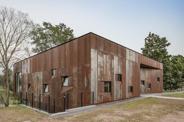 Ржавый дом в Эстонии Сооружения, Вастселийн, Kaos Architects, Длиннопост