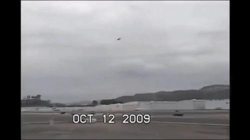 Когда прошёл миссию с вертолётиком. Вертолет, Посадка, Жёсткая посадка, GTA Vice City, Гифка