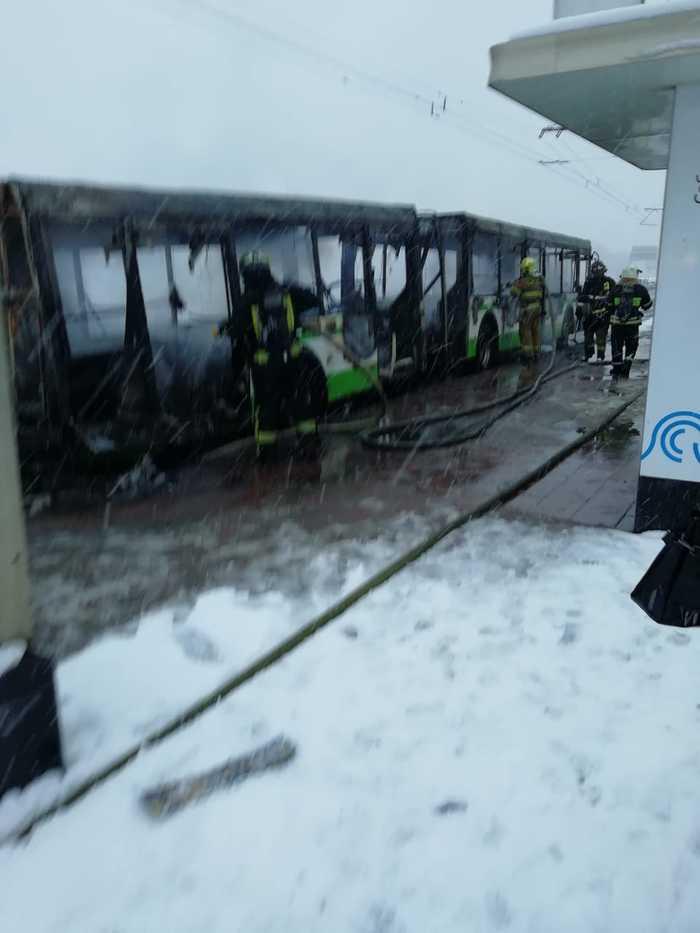 Москва.Автобус сгорел дотла Происшествие, Москва, Пожар, Транспорт, Автобус, Длиннопост