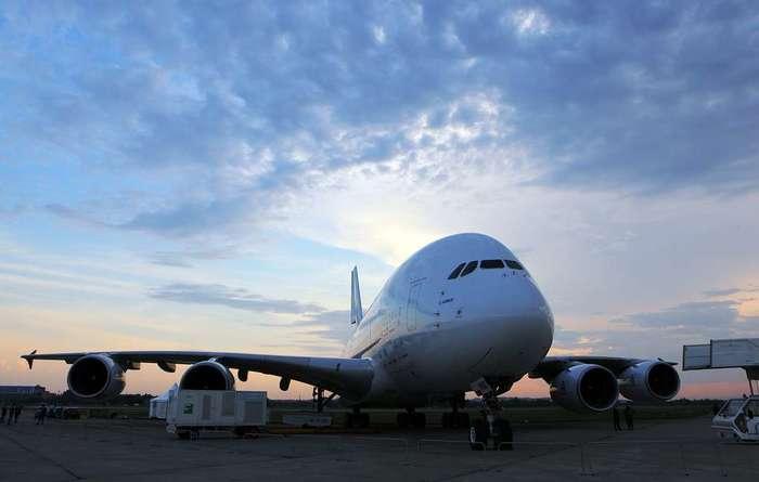 Airbus прекратит производство самых больших пассажирских авиалайнеров в 2021 году Airbus A380, Авиалайнер, Гражданская авиация, Самолет, Производство, Прекращение