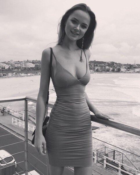 Платье и девушка #188.0
