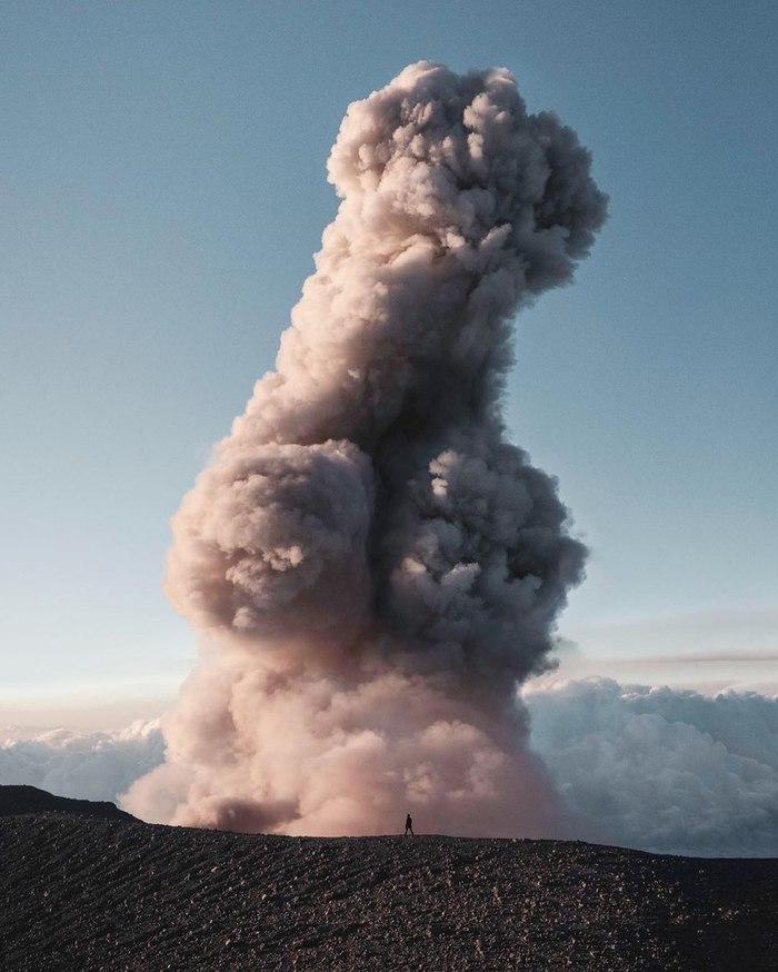 Извержение вулканаСемеру