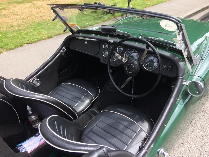 Изящный Triumph TR3A - классический британский родстер с 2-х литровым 4-х цилиндровым двигателем в 95 лошадок. Родился в 1955-ом. Длиннопост, Авто, Ретроавтомобиль