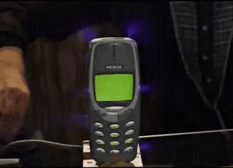 NOKIA 3310 пережил многое, но что произойдет если вы зарядите его на миллион вольт?