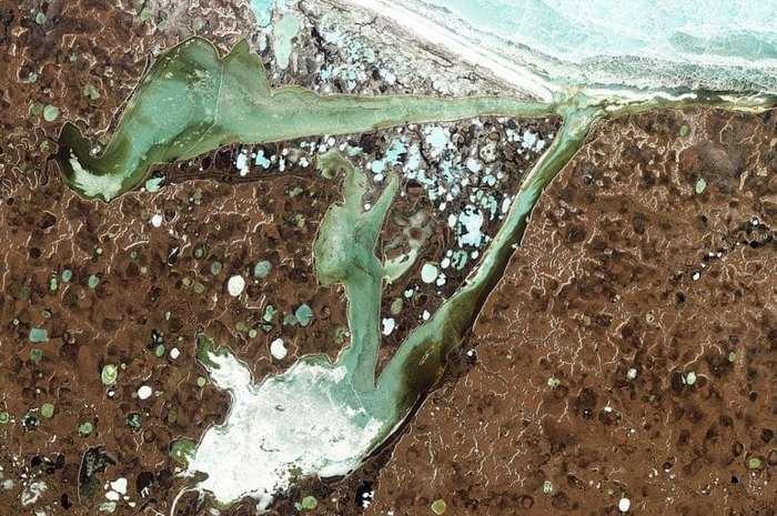 Уникальный кратер посреди лесов Сибири Кратер, Сибирь, Батагайка, Уникальный кратер, Длиннопост