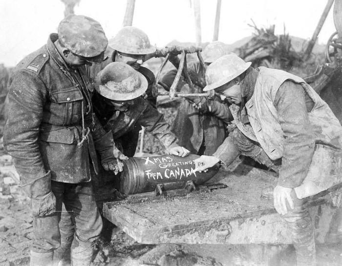 Канадские солдаты желают немецким солдатам счастливого Рождества, Первая мировая, 1916 год