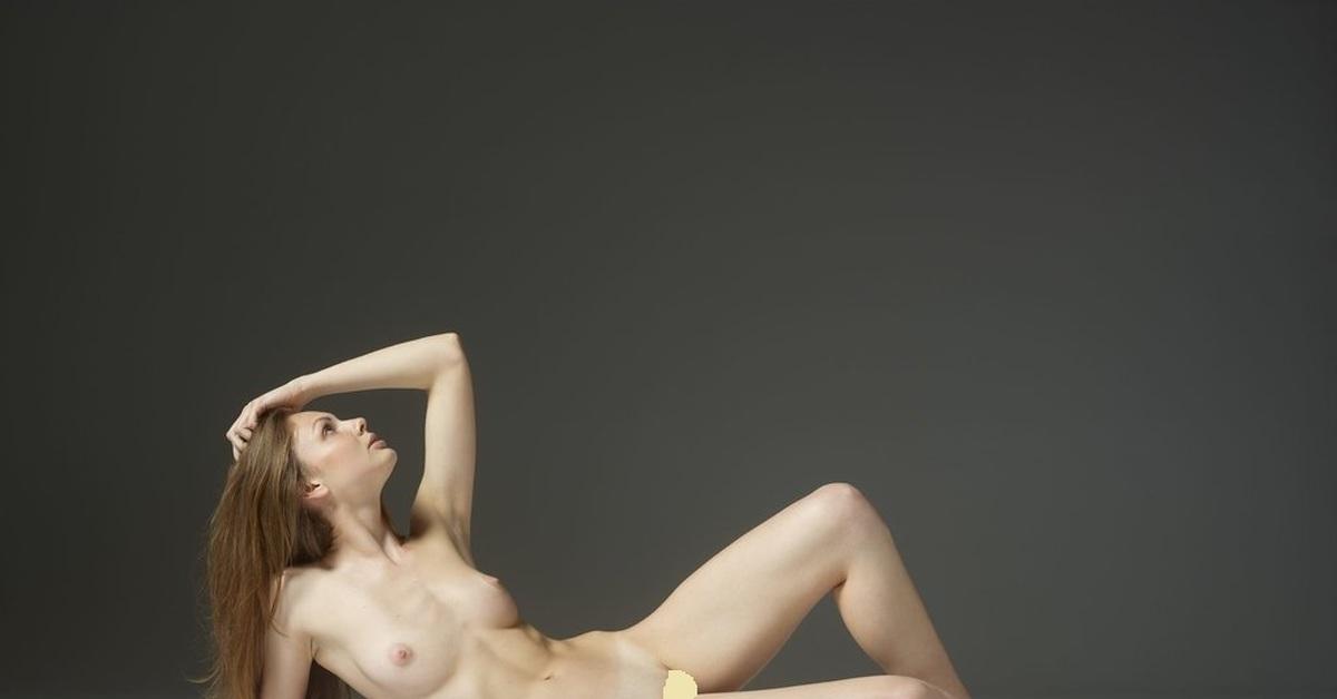 Resin nude models