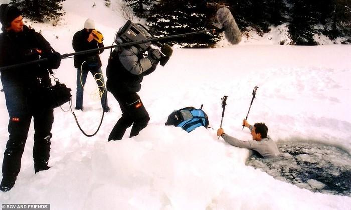 Первая съёмка Беара Гриллса Беар Гриллс, Первая съёмка, Выживание, Daily Mail