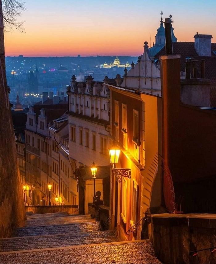 Городские улочки, Прага.