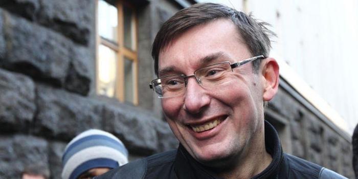 Конфисковальна перемога. Украина, Политика, Янукович, Луценко, Укросми