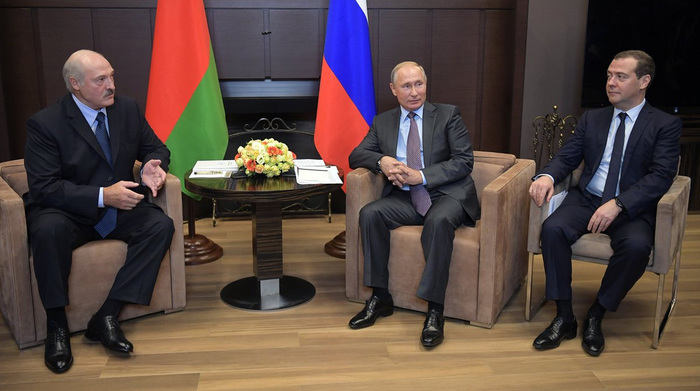 Лукашенко сообщил о разозлившем его разговоре с Медведевым про Абхазию Дмитрий Медведев, Путин, Александр Лукашенко, Абхазия, Интервью, Новости, Политика