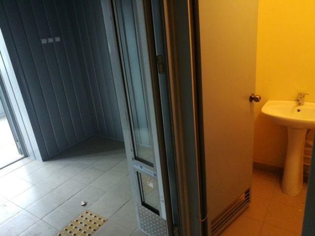 Туалет в подъезде. Подъезд, Туалет, Новостройка, Длиннопост