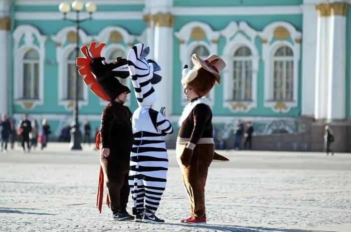 Вымогатели на Невском проспекте продолжают терроризировать туристов 6. Еще немного резонанса Без рейтинга, Аниматор, Вымогательство, Мошенники, Петиция, Санкт-Петербург, Видео, Длиннопост, Негатив