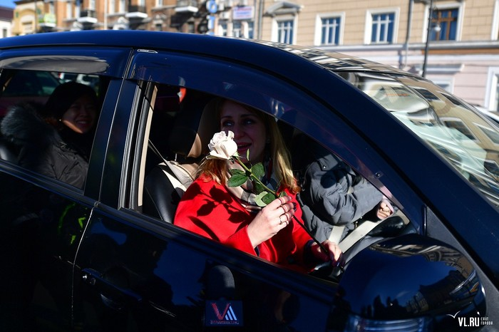 Поздравление женщин с 8 марта от ГИБДД Владивосток ГИБДД, Владивосток, 8 марта, Длиннопост