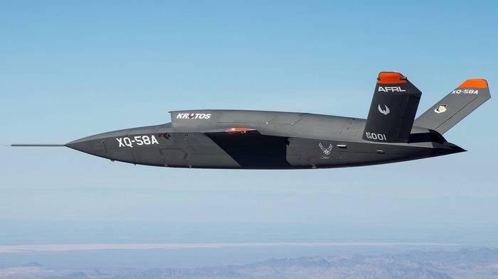 Первый полет беспилотного ведомого XQ-58A Valkyrie Авиация, Беспилотник, Боинг, ВВС США, Видео, Длиннопост