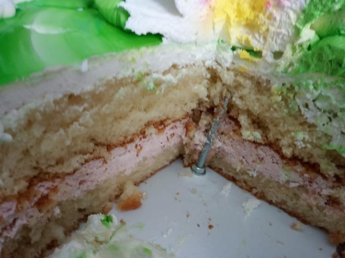 Крепление торта Торт, Болт