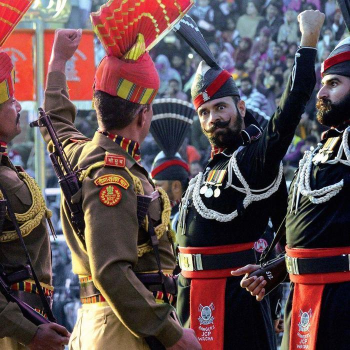 Пост принял Индия, Пакистан, Пограничники, Церемония, Военная форма, Граница
