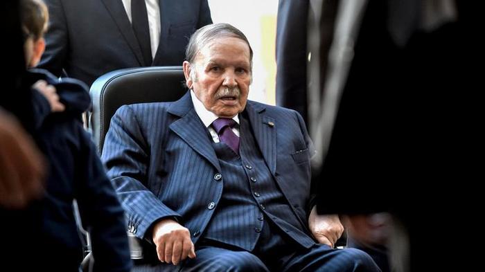 Как победить больного упыря, который 20 лет у власти Алжир, Митинг, Президент, Протест, Варламов, Длиннопост