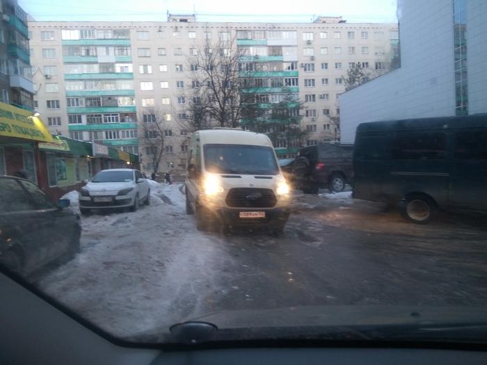 Инкассаторы перекрывают дорогу Нарушение ПДД, Инкассаторы, Уфа, Сбербанк, Негатив