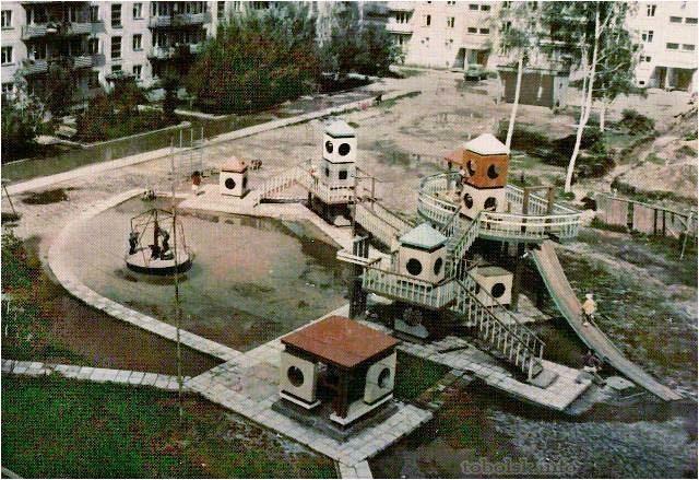 Детские деревянные городки времён СССР в Тобольске. Детская площадка, Тобольск, СССР, Двор, Длиннопост, Городок, Деревянное зодчество