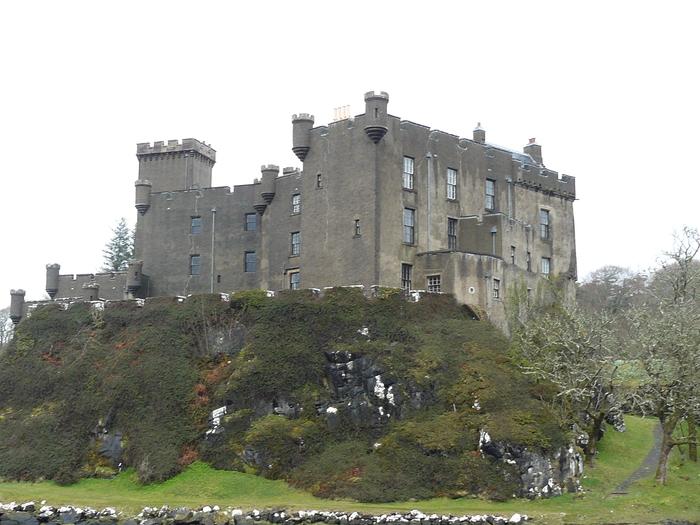 Замок Данвеган Великобритания, Шотландия, Данвеган, Замок, Залив, Маклауд, Длиннопост