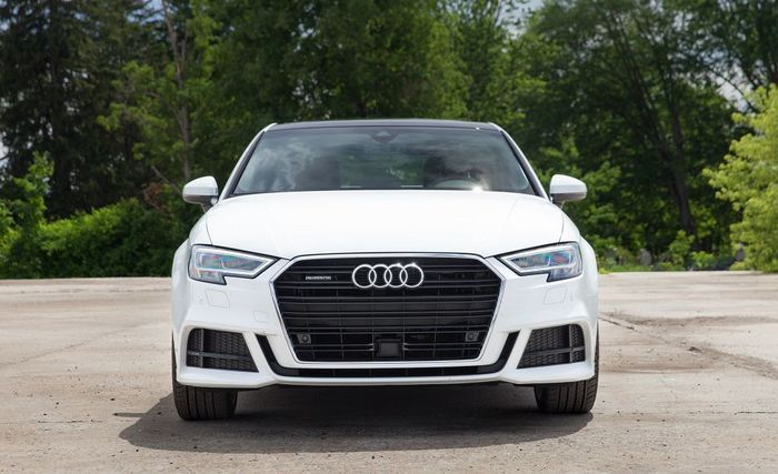 В России отзывают более 400 автомобилей Audi Отзыв, Авто, Q8, Audi, Автомобилисты, Водитель, Машина, Россия