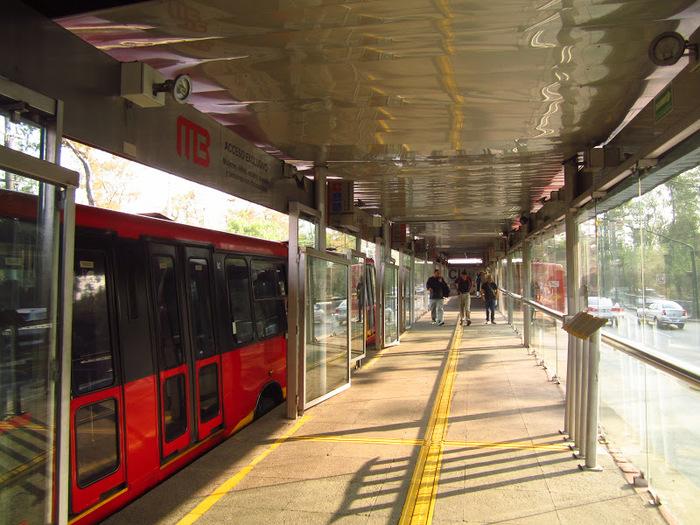 Что такое метробусы и где они применяются. Метробус, Общественный транспорт, Автобус, Латинская Америка, Длиннопост