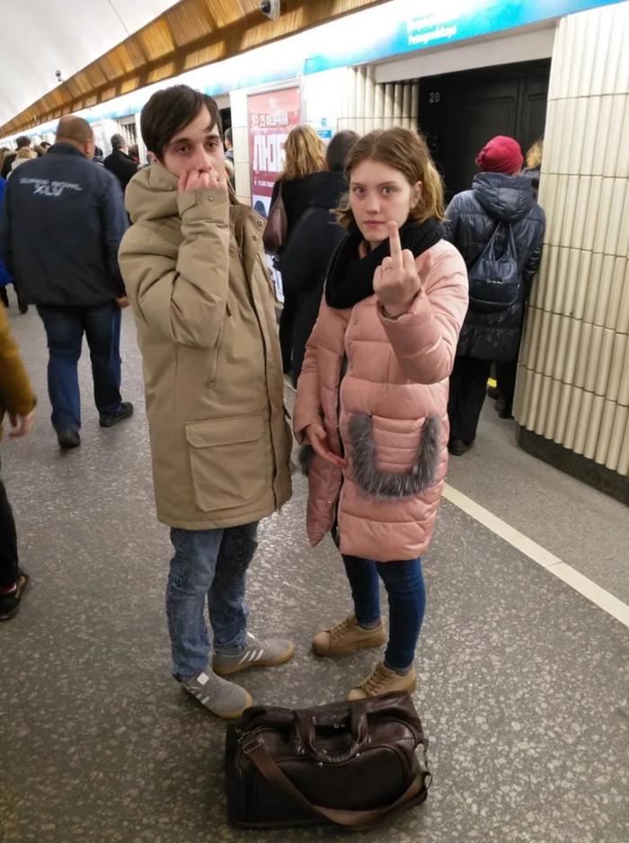 Современные попрошайки в метро и на вокзалах. Кто такие современные профессиональные нищие Нищие, Попрошайки в метро, Новые нищие, Длиннопост, Попрошайки