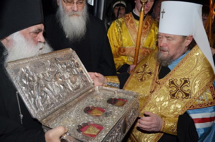 Духовник патриарха во время службы благословлял только богатых прихожан Церковь, VIP, Религия, Россия, Новости, РПЦ, Патриарх, Негатив, Длиннопост