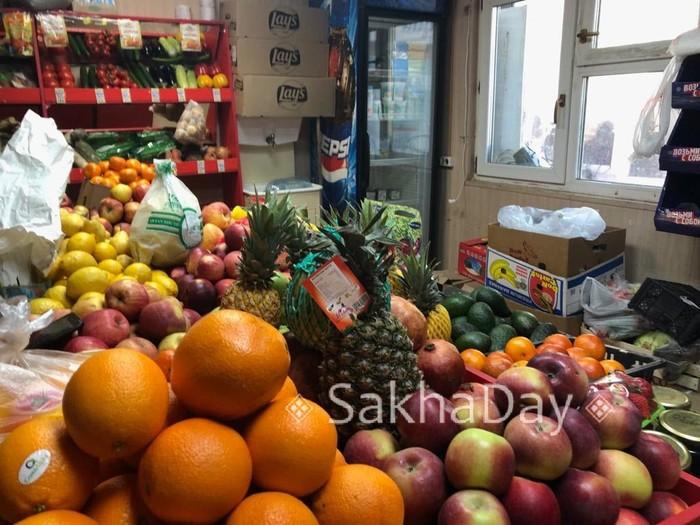 В Якутске повсеместно закрыты фруктовые киоски Якутск, Мигранты, Народные волнения