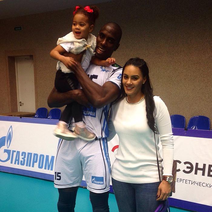 Игрок «Зенита» забрал дочь из балетной школы из-за расизма Расизм, Дочь, Школа, Длиннопост, Спортсмены