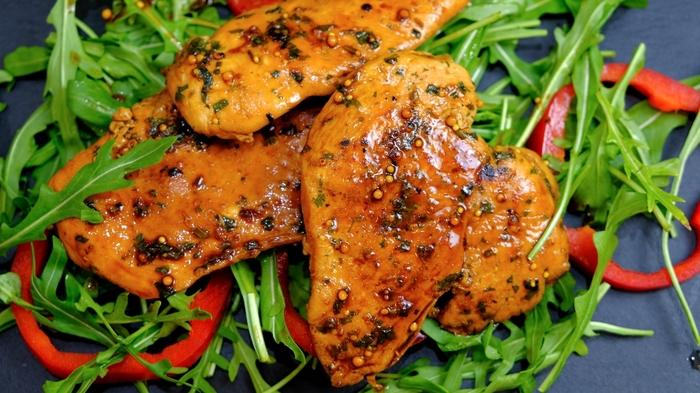 Куриная грудка в листах для жарки с приправами - рецепт пошаговый с фото