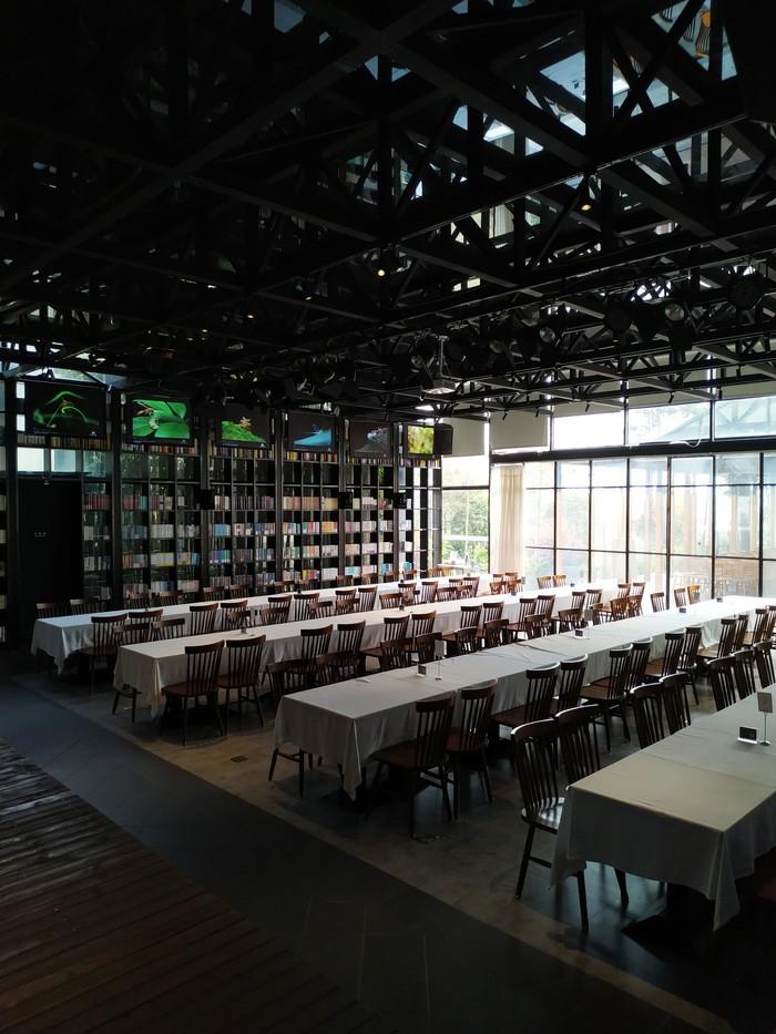 Книжный магазин - клуб. Китай, Азия, Книжный магазин, Длиннопост