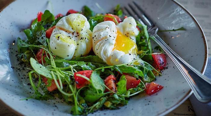 Салат с авокадо и яйцом-пашот Плов, Вкусно, Готовим дома, Ужин, Мясо