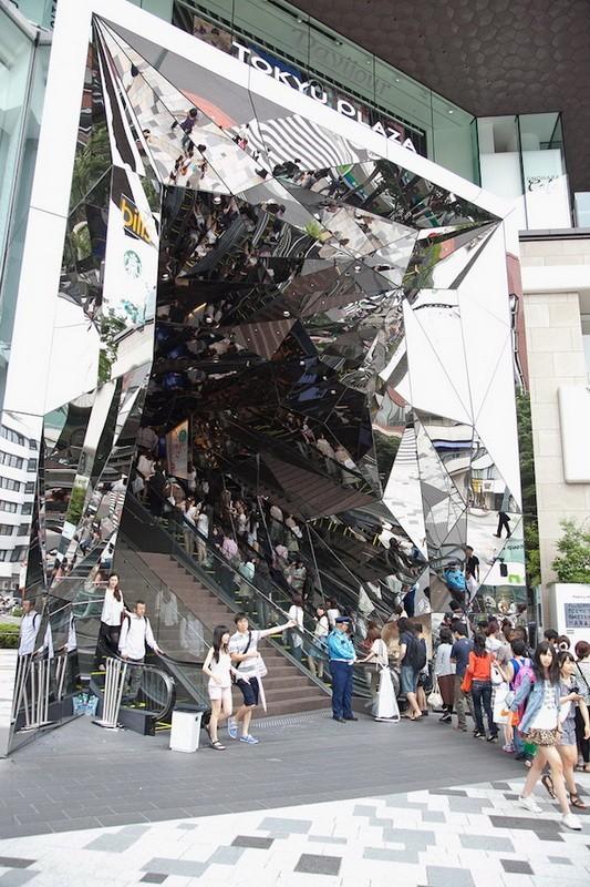 Зеркальные галлюцинации Торговый центр, Кривое зеркало, Токио, Япония, Галлюцинации, Архитектура, Длиннопост