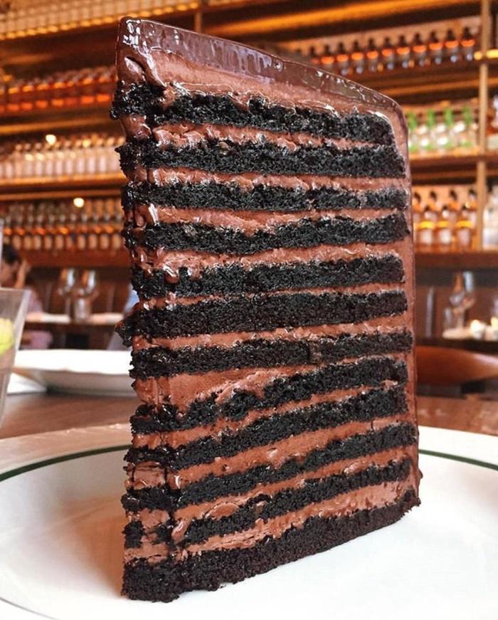 Слоев в тортике много не бывает