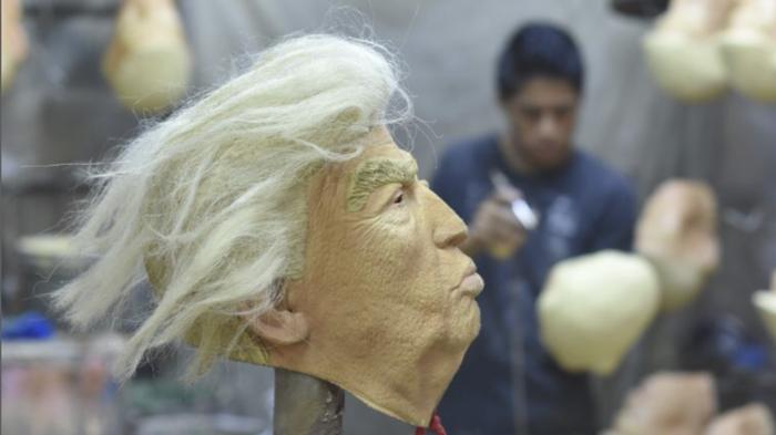 Мексиканская фабрика по изготовлению лиц Дональда Трампа. Дональд Трамп, Маска, Длиннопост