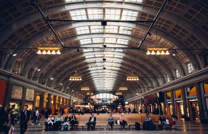 А вы знали, что в Стокгольме на вокзале собирают тепло человеческих тел и отапливают соседнее здание Стокгольм, Вокзал, Отопление