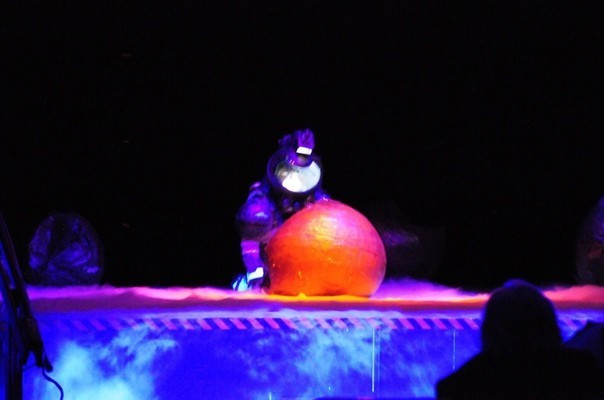 Школьники состоящие в театральном клубе старшей школы в Бергене (Нью Джерси) поставили пьесу, основанную на «Чужой». Чужой, Пьеса, Длиннопост