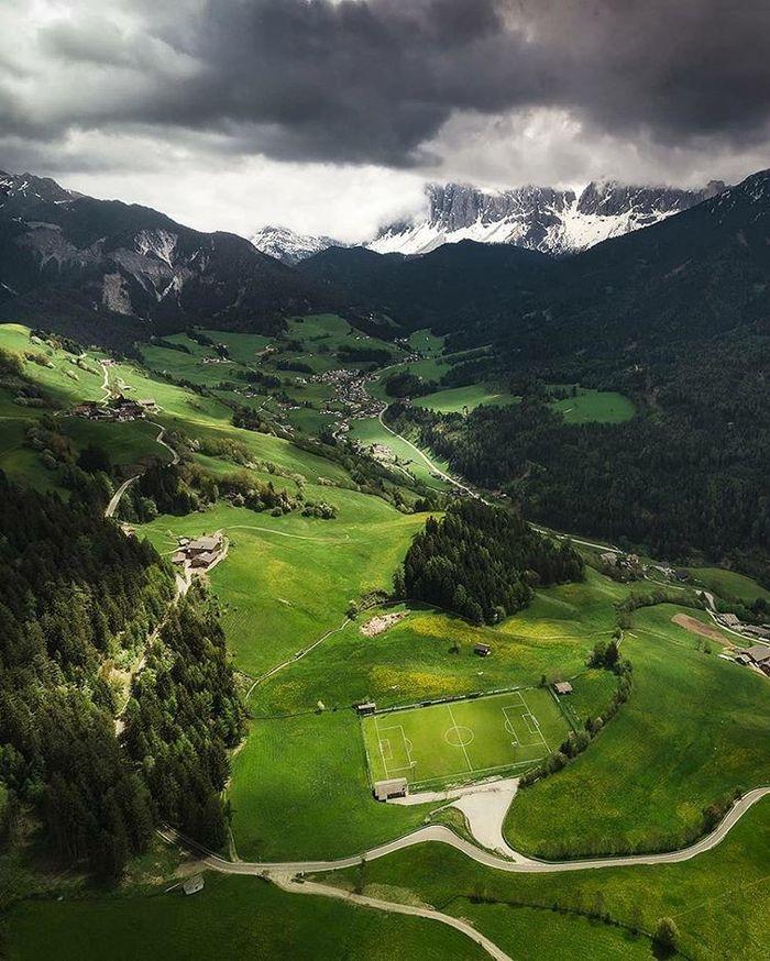 Атмосферно Спорт, Футбол, Пейзаж, Красивый вид, Горы, Италия, Стадион