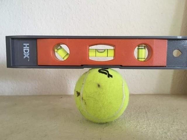 Вся логика плоскоземельщиков в одной картинке Плоская земля, Уровень, Теннисный мячик